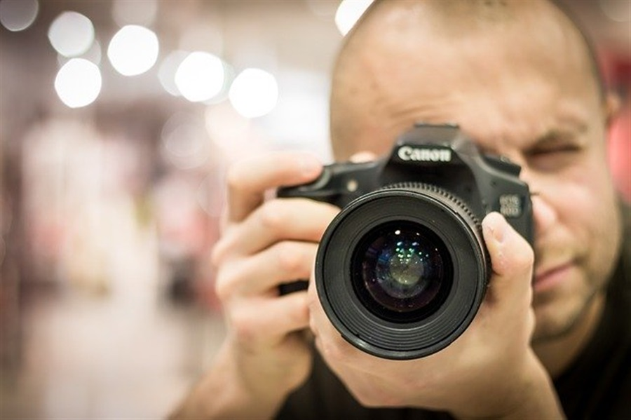 Faire appel à un photographe à Bordeaux pour offrir un shooting photo à sa petite amie